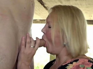 Gilf Cowgirl Makes Young Construction Worker Cum Porn Videos